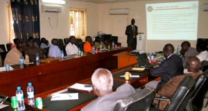 A top executive from the Ministry making a presentation to the SPLM